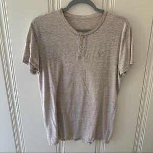 AEO Cream Heathered Oatmeal Button T-Shirt EUC
